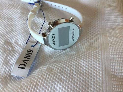 a9337455f955 Reloj Digital Dakot 809 Con Seis Meses De Garantia