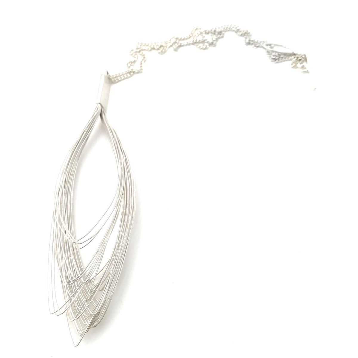 Hilos Lagrima - Collar Dije