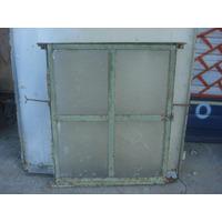 Antigua Ventana Vidrio Repartido En Hierro 50,7 X 62,6cm