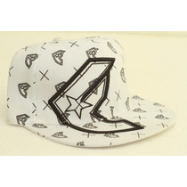 Gorra Plana Famous Cerrada Fitted Ultima Unidad Talle 7 1/4