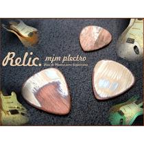 M. J. M Plectro / Relic / Púa De Madera Artesanal