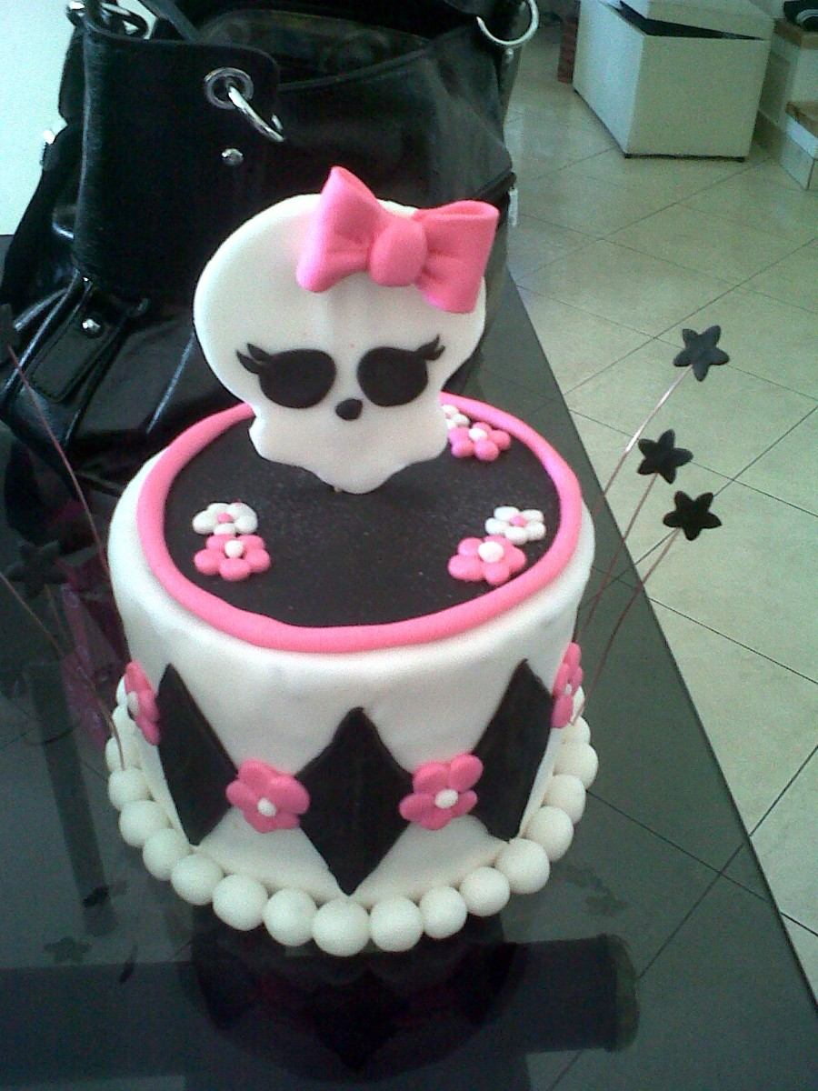 Adorno De Falsa Torta 18 Diametro Y Logo De Monster High - $ 150 ...