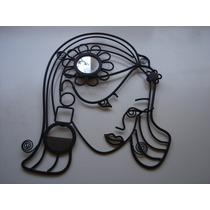 Colgante De Hierro Mujer Con Espejo Y Portaretrato Original