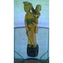 Estatua Geihas Oriental