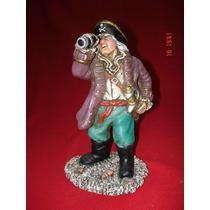 El Pirata Lograda Y Decorativa Figura En Ceramica