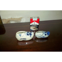 Dos Zapatitos De Porcelana Delft