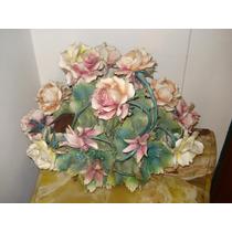 Figura En Porcelana Capodimonte Centro De Flores