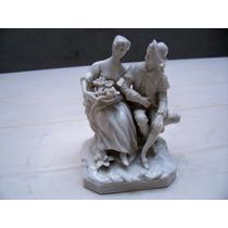 Antigua Figura Japonesa De Porcelana Escena Galante