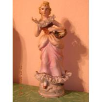 Antiguo Y Hermosa Figura De Porcelana