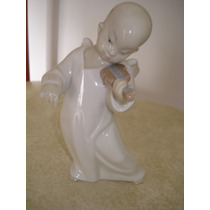 Figura En Porcelana Lladro Angel Chino