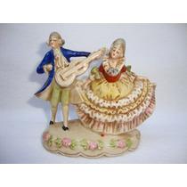 Escena Galante Figura Porcelana Sellada Germany Alemana