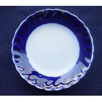 Antiguo Plato De Porcelana Blanca Y Azul Con Soporte