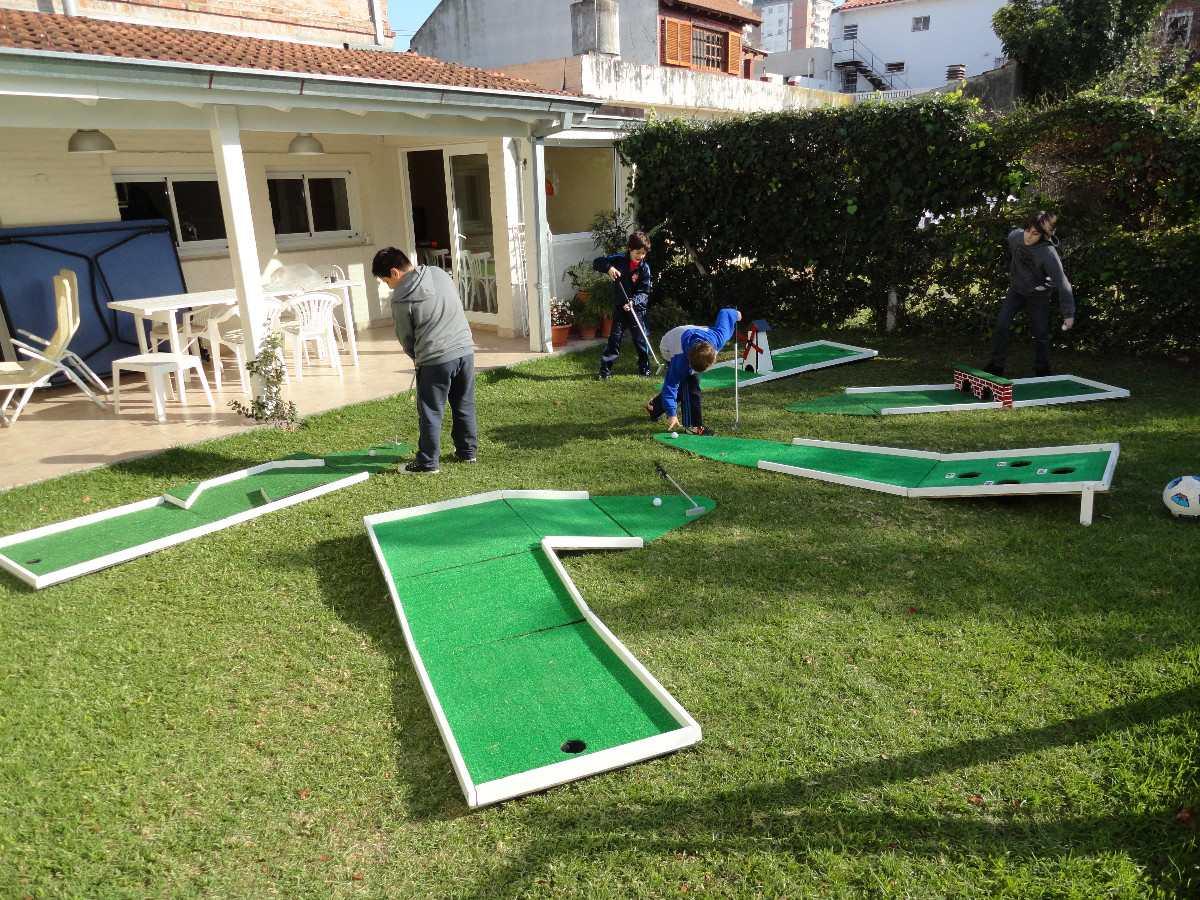 Juegos de golf de dinosaurios para 2 for Juego de golf para oficina