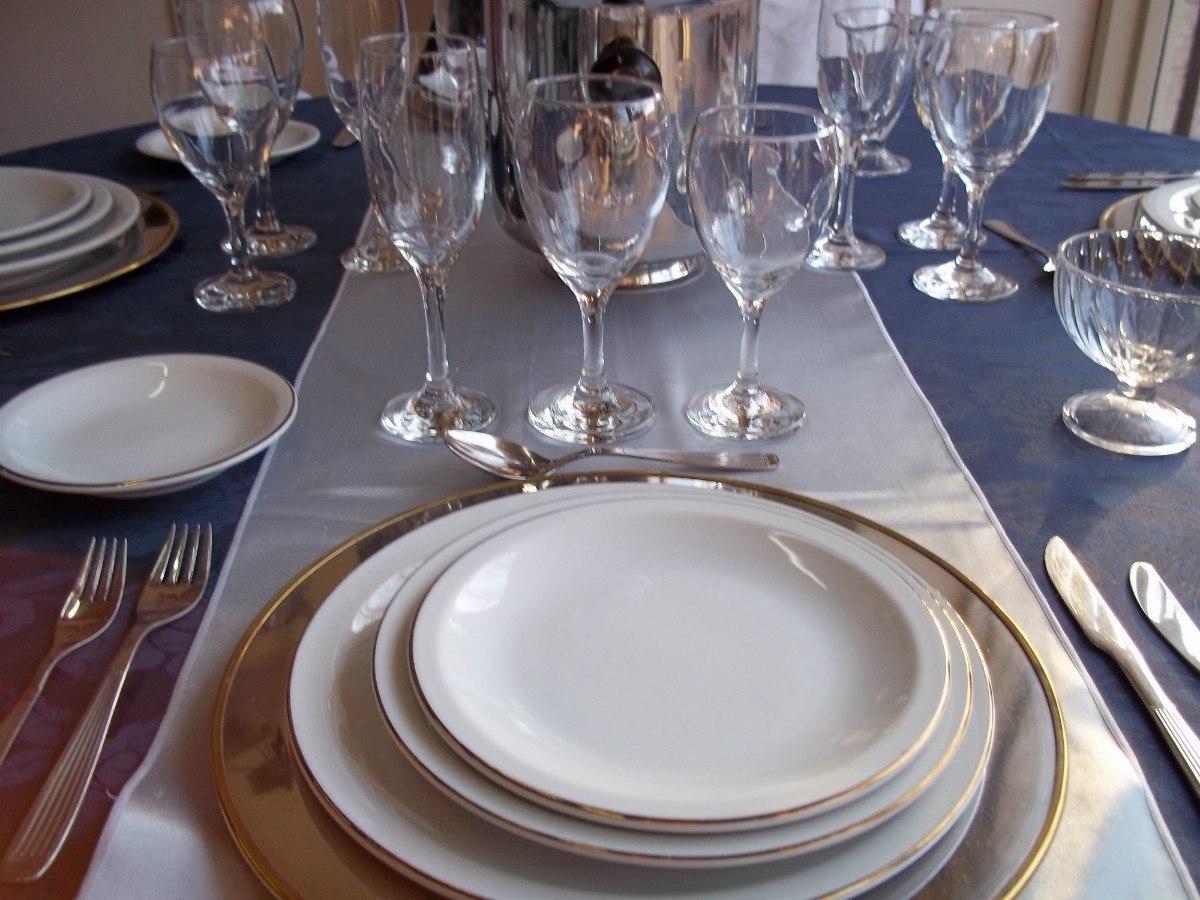 alquiler vajillas platos copas manteles sillas tablones