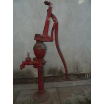 Bomba De Agua Manual Antigua.