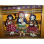 Bello Trio De Muñecas Peruanas Artesanales En Vitrina Madera