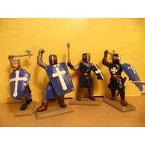 Soldados Cruzados C/ Hachas Espadas Y Escudos X6 20 Esc 1:32