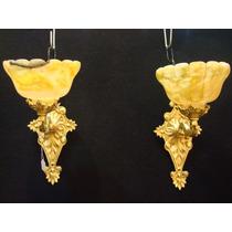 Antiguos Par De Apliques En Bronce Con Tulipas De Alabastro*