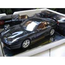 Burago - Ferrari 550 Maranello (1996) - Escala 1:18 De Metal