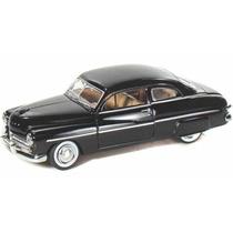 Mercury Coupé 1949 Escala 1:24 Motor Max