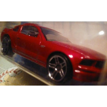 Hot Weels Ford Mustang Gt Realistix
