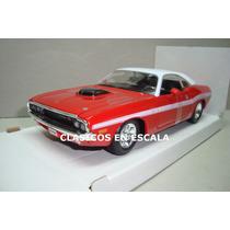 Dodge Challenger R/t 1970 Hard Top Muscle Car - Maisto 1/24
