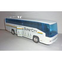 Omnibus Colectivo Mercedes Benz- Escala 1/60 Welly.