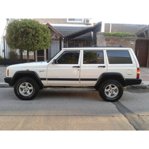 Vendo Impecable Cherokee Sport 4.0 Mt