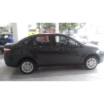 Fiat Grand Siena Essence 1.6 Contado Financio Permuto