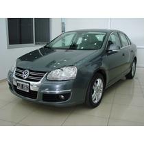 Volkswagen Vento 2.5 Luxury Tiptronic Claudio 15-5247-7928