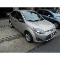 Ford Fiesta Max 1.6 Color Champagne Año 2010 4 Puertas