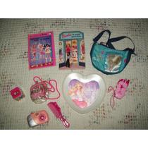 Lote De 2 Libritos Y Accesorios Barbie.