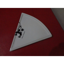 Plato Triangular Blanco Ed. Limitada Menaz Design Ind. Arg.