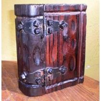 Antigua Caja Alajero De Madera Con Forma De Libro Herrajes