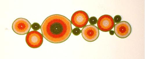 Camino de mesa a crochet moderno imagui for Camino mesa moderno