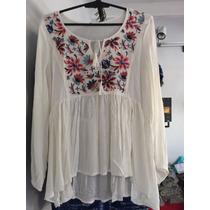 Blusa Con Flores Bordadas Tipo Mexicana. Líquido!