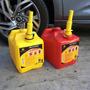 Bidon De Nafta - Combustible 10 Litros Con Pico En 2 Colores
