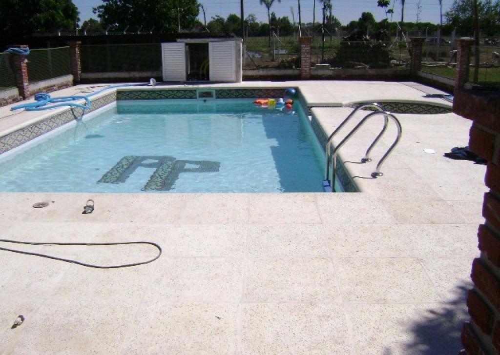 Construcci n y refacci n de piscinas de hormig n luj n for Construccion de piscinas de hormigon
