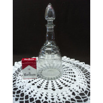 Antiguo Botellon Con Tapon En Cristal Tallado A Mano (18f)