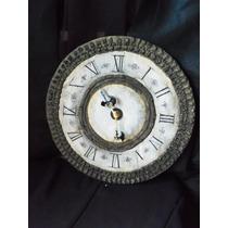 Reloj Ornamentado Color Marron Y Ocre Claro Estilo Medieval