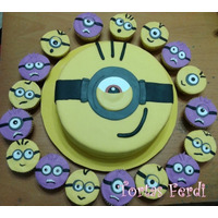 Torta Decorada De 2 Kg Con 12 Cupcakes-todos Los Personajes