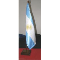 Oferta Souvenirs Mastil C/ Bandera Argentina Para Escritorio
