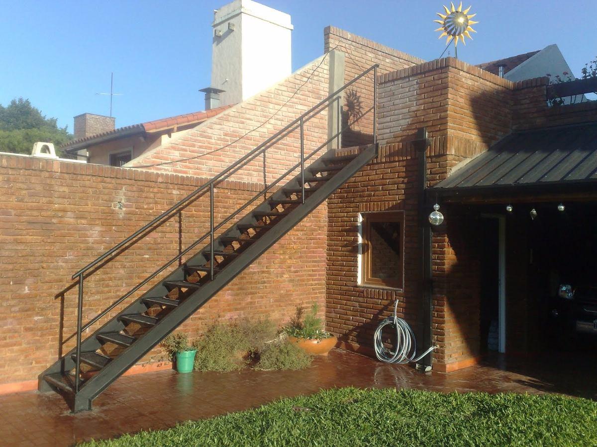 Escalera exterior herrer a rigamet la matanza en - Escaleras de hierro para exterior ...