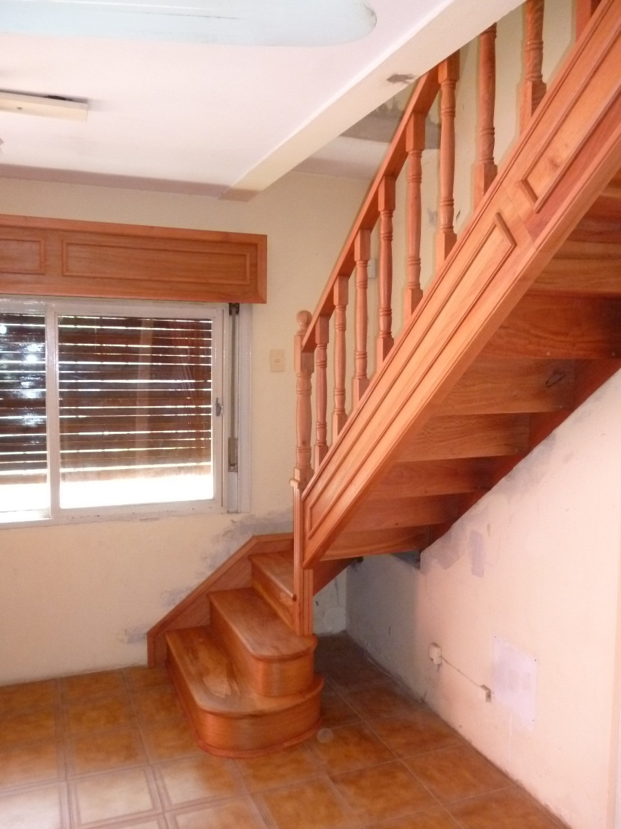 Escaleras de madera para interiores en miami - Pared de madera interior ...