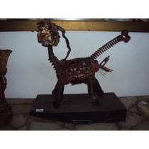 Escultura Moderna Material Reciclado Michi Cibernetico
