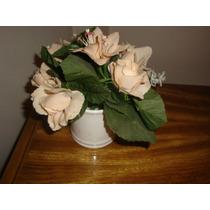 Florero Blanco Con Flores Artificiales