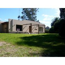Zona Santa Celina. Importante Casa 6 Ambientes.. Ambientes. Dormitorios. 1933 M2. 285 M2c