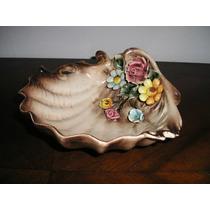 507- Porcelana Capodimonte Ostra Con Flores Despojador