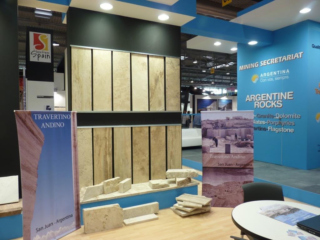 Marmol travertino pisos y revestimientos rustico largo for Pisos de travertino rustico