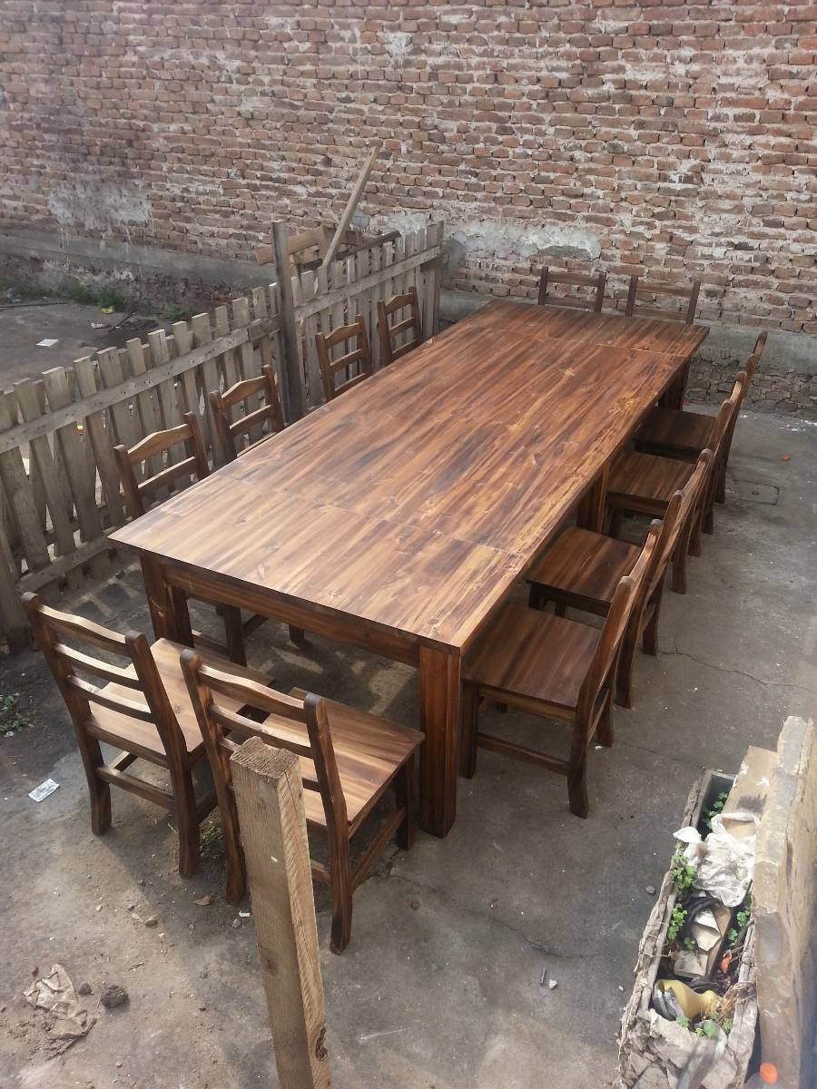 Casa de este alojamiento mesa y sillas rustica 4 metros - Mesa rustica madera ...